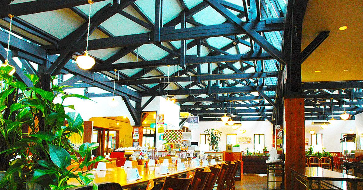 出石伝統的建造物の一つでもある近代洋風建築。 ちりめん工場を改装した、開放的な天窓が特徴的なレストラン